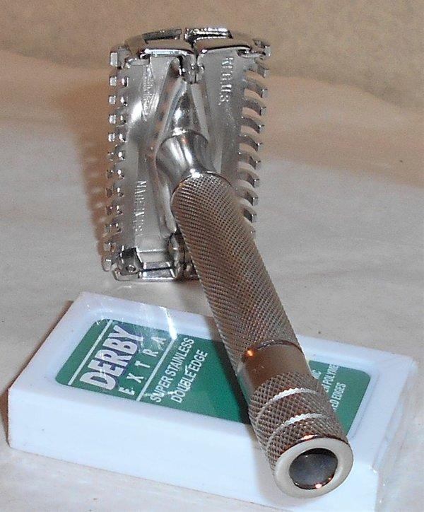 Gillette 1938 Senator TTO Razor Refurbished Replated Bright Nickel QQ1 (10).JPG